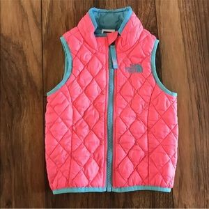 the north face puffer quilted vest thermoball